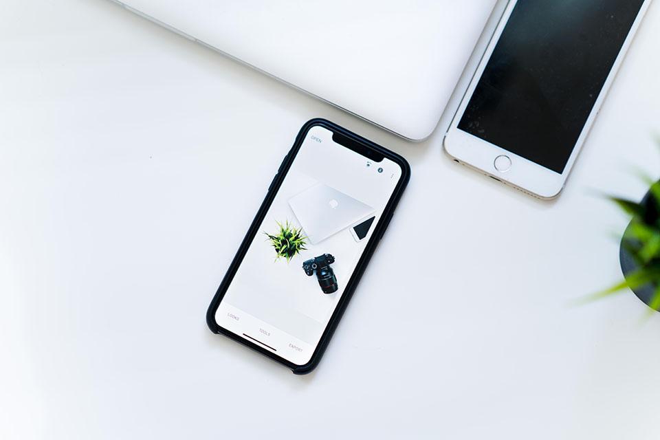 想賣iPhone時,都找不到哪裡有高價收購iphone,通訊行報的回收iphone價格都超低,折價換新機下來價格又不滿意,最後實在沒辦法,自己放在網路上賣,然而不但程序麻煩,什麼時候賣出去還不知道。在這個詐騙猖獗的時代,買賣手機被詐騙時有所聞,一但不小心遇到存心來詐騙的,最後不但手機沒了錢還拿不到…iPhone高價收…