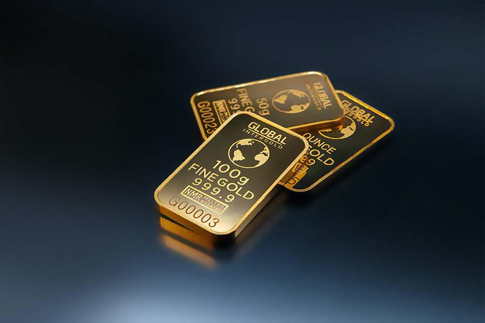 2020全球受到新冠疫情影響,疫情的不確定性帶動了金價,黃金價格突破2000美元大關,讓許多投資者紛紛想要以錢滾錢進入投資黃金市場,對於黃金收購新手來說,想要獲得高價的黃金收購價,必須要了解黃金到底該怎麼購買投資,以及收購黃金時的一些細節。一般而言,多數人想要投資黃金時,通常會以購買黃金存摺跟實體黃金為主,對於從來沒…